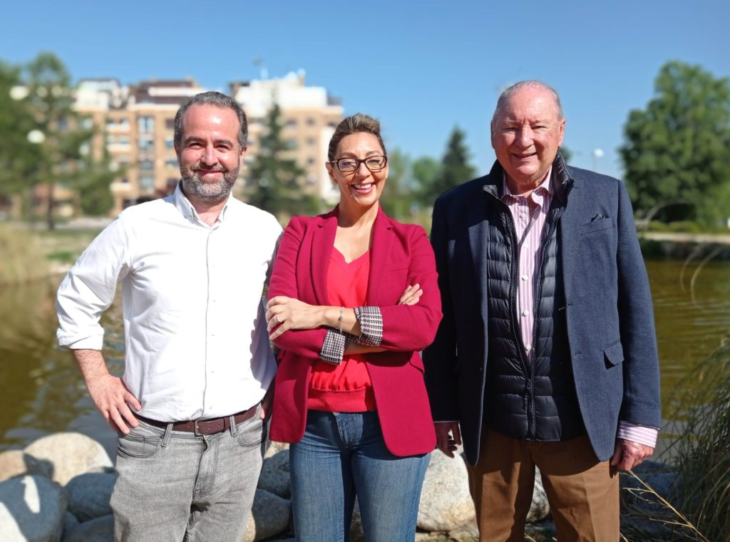 Foto de José Luis Cáceres, Mariló Sánchez-Fuentes y Rodolfo