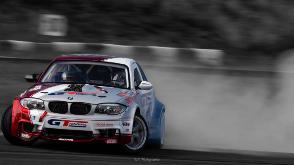 Foto de BMW Serie 1 e82 de Benjamin Boulbes equipado con neumáticos